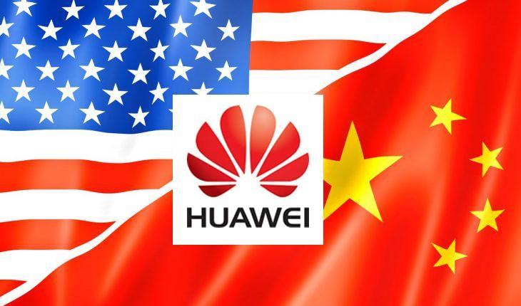Bandiere America e Cina e scritta/logo hauwei al centro
